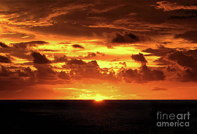 Photograph - Tahitian Sunset by Sue Melvin