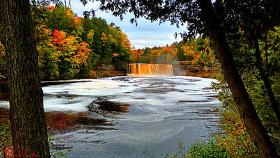Tahquamenon Falls Of Michigan Original by Michael Rucker