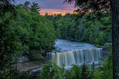 Photograph - Tahquamenon Falls Sunset. by Gary McCormick