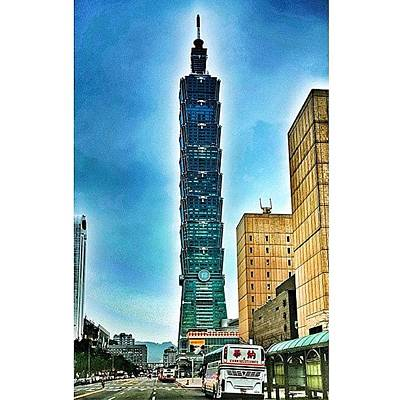 Taipei 101 (chinese: 台北101 / Art Print by Tommy Tjahjono
