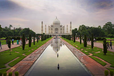 Photograph - Taj Mahal At Sundown by Jed Holtzman