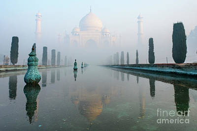Photograph - Taj Mahal At Sunrise 01 by Werner Padarin