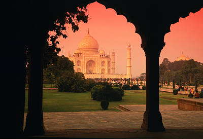 Travel - Taj Mahal by Javier Flores