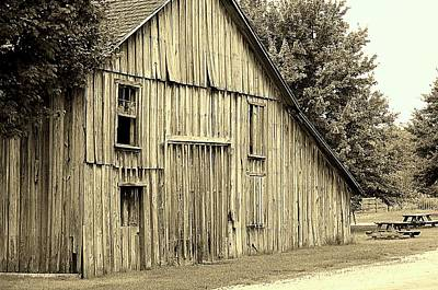 Photograph - Tall Barn by Buddy Scott