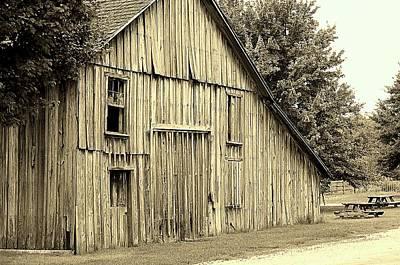Photograph - Tall Barn by Buddy Scott