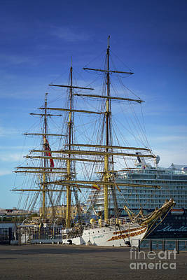 Photograph - Tall Ship Sorlandet Cadiz Spain by Pablo Avanzini