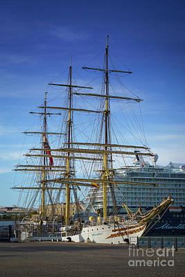 Photograph - Tall Ship Sorlandet Cadiz Spain by Pablo Avanzini
