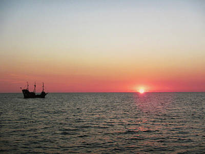 Tampa Bay Sunset 5 Pirate Ship Art Print by Marilyn Hunt