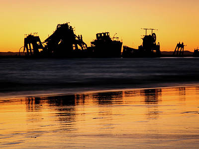 Photograph - Tangalooma Wrecks Sunset Silhouette by Keiran Lusk