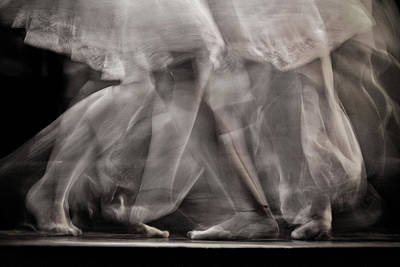 Photograph - Tango Dancers - Buenos Aires by Stuart Litoff
