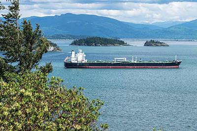 Photograph - Tanker Coming In by Tom Cochran