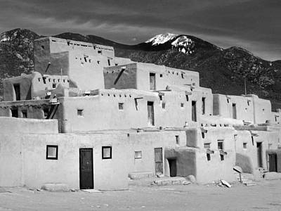Photograph - Taos Pueblo 29 by Jeff Brunton