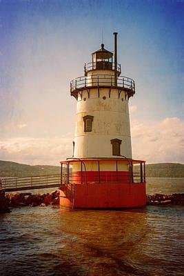 Kingsland Photograph - Tarrytown Lighthouse II by Joan Carroll