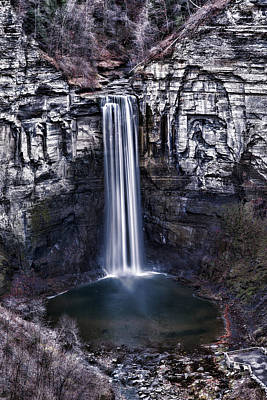 Waterfalls Photograph - Taughannock Falls Late Autumn by Stephen Stookey