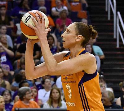 Wall Art - Photograph - Taurasi Free Throw by Devin Millington