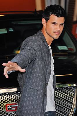 Taylor Lautner, Leaves The Live With Art Print