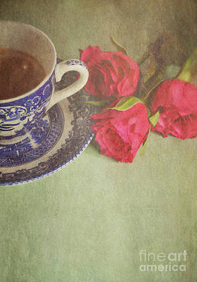 White China Cup Photograph - Tea And Roses by Lyn Randle