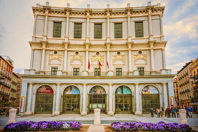 Cityscapes Photograph - Teatro Real Madrid by Joan Carroll