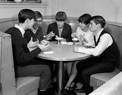 Teenagers In A Cafe, C.1960s Art Print by H. Armstrong Roberts/ClassicStock