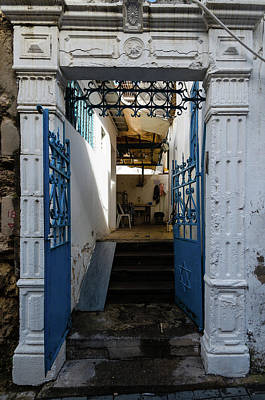 Photograph - Tel Aviv Doorway by Steven Richman