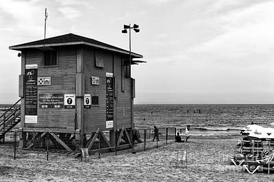 Photograph - Tel Aviv Lifeguard Hut by John Rizzuto