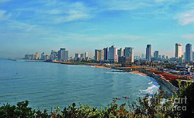 Photograph - Tel Aviv by Lydia Holly