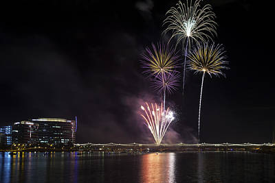 Photograph - Tempe Fireworks 2015-11 by Paul Riedinger