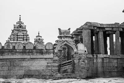 Photograph - Temple Architecture by Ramabhadran Thirupattur