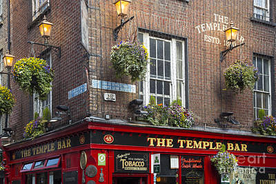 Photograph - Temple Bar - Dublin by Brian Jannsen