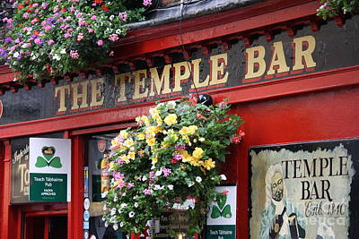 Photograph - Temple Bar by Mary-Lee Sanders