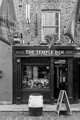 Photograph - Temple Bar Shop by Georgia Fowler