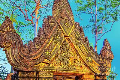 Photograph - Temple Gold Cornice by Rick Bragan
