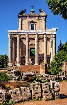 Photograph - Temple In Roman Forum by Carolyn Derstine