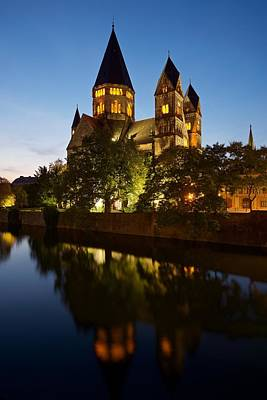 Photograph - Temple Neuf De Metz by Stephen Taylor