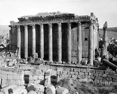Bacchus Photograph - Temple Of Bacchus, Baalbek, Early 20th by Science Source