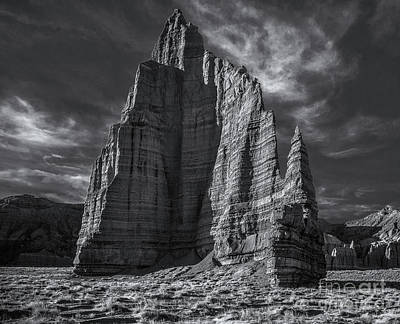 Photograph - Temple Of The Moon I/r View by Erik Poppke