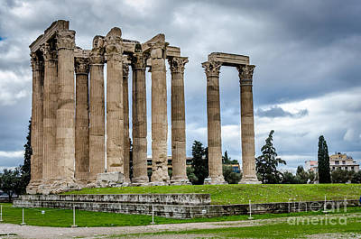 Photograph - Temple Of Zeus - Athens Greece 2 by Debra Martz