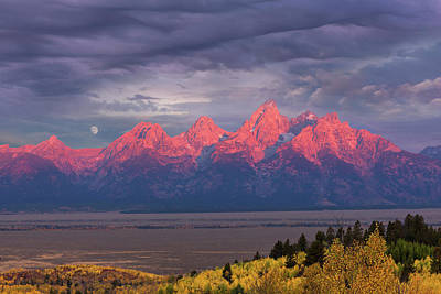Photograph - Teton Moonset by Kathleen Bishop