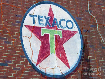 Photograph - Texaco Mural by Roberta Byram