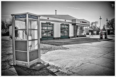 Photograph - Texaco by Ron Weathers