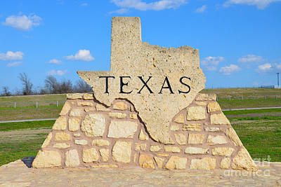 Photograph - Texas Welcome Sign by Catherine Sherman