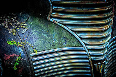 Photograph - Textured Grille by Rod Kaye