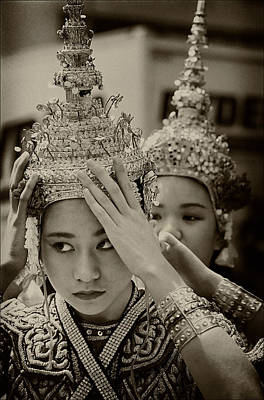 Thai Dancers Preparing Art Print