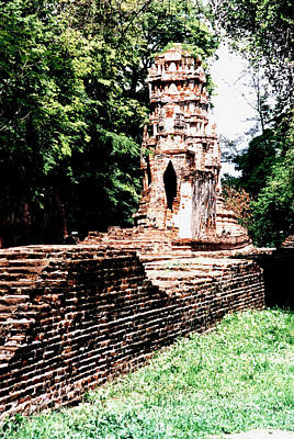 Photograph - Thailand Stupas by Dianne Levy