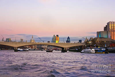 Photograph - Thames Glow by Terri Waters