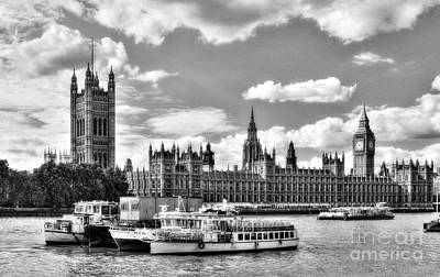 Photograph - Thames River In London Bw by Mel Steinhauer