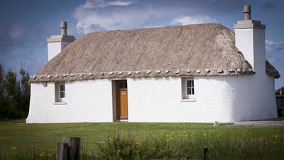 Photograph - Thatched Cottage by Alex Saunders