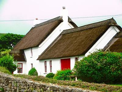 Photograph - Thatched Cottage by Stephanie Moore