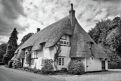 Photograph - Thatched Cottages Of Hampshire 17 by Shirley Mitchell