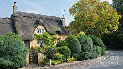 Photograph - Thatched Country Cottage Chipping Campden by Tim Gainey